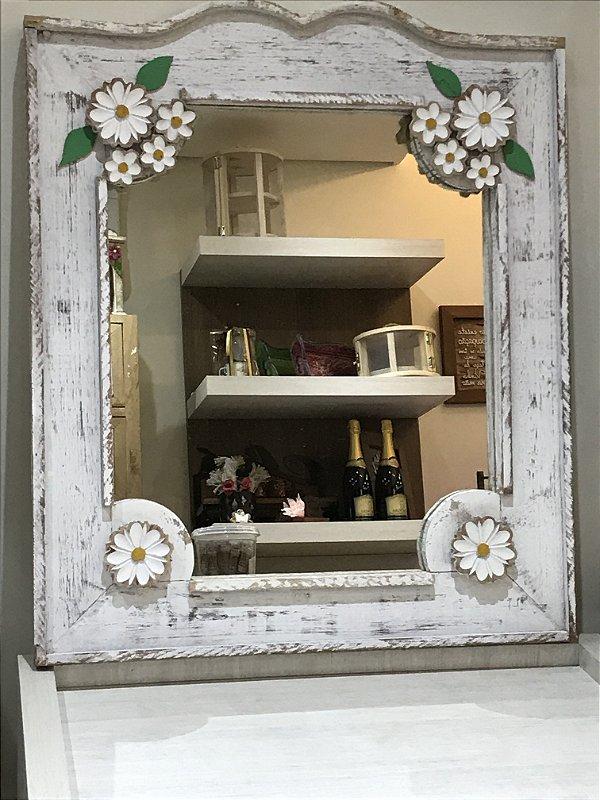 Espelho com moldura em madeira de demolição (Disponível somente na loja física)