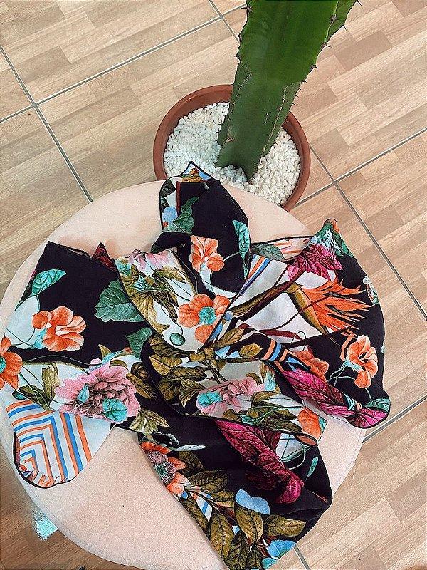 Lenço flowers e color