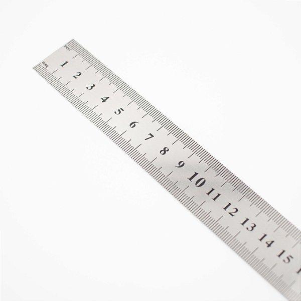 Régua em Metal de 30cm