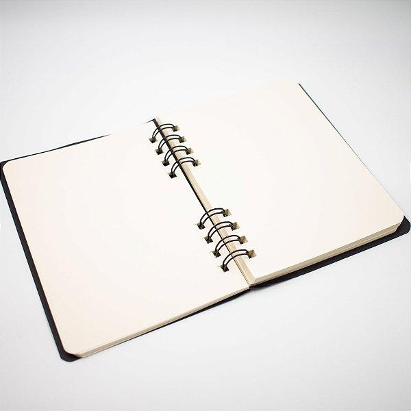Caderno Sketchbook Folhas Lisas médio 17 X 12,5