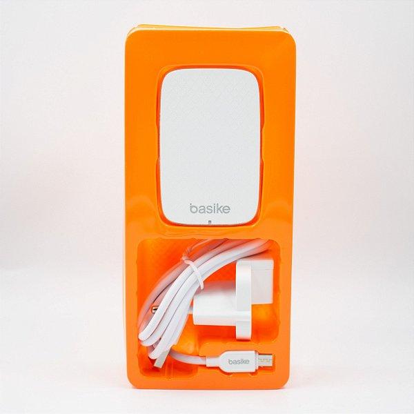 Carregador Auto- Identificador 2 USB  Basike Ba- Car0038 2.4A com Cabo de V8