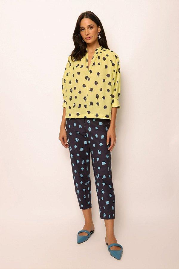 blusa decote v de voil folhas lima