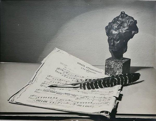 JEAN LECOCQ - Fotógrafo Premiado - Fotografia Original Composição Escultura e Partitura de Beethoven, Sonate Appassionata - 40x30cm