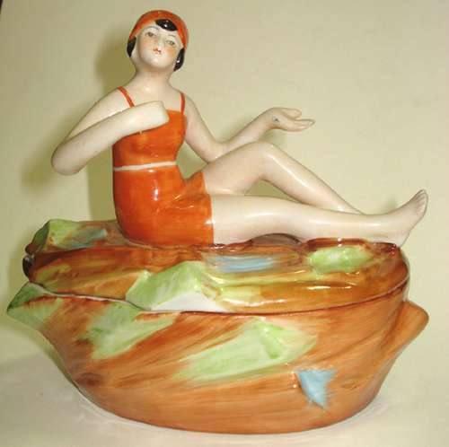 Porta-joia com Figura de Banhista,  Porcelana Alemã Estilo e Época Déco,  Anos 20