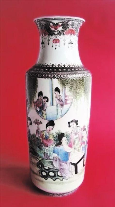 Vaso Japones em Porcelana Casca De Ovo, Figuras de Gueixas