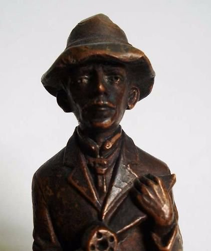 Santos Dumont - Escultura Antiga Com Pátina Acobreada