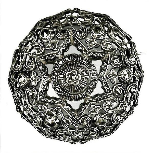 Broche Medalhão Em Prata  E Marcassita, Clássico Antigo