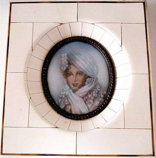 Dimarc - Antiga Pintura, Quadro em Miniatura s/ Celuloide, Rosto de Mulher,  Dama, Assinada
