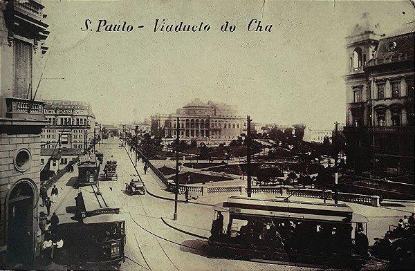 São Paulo, Cartão Postal Antigo do Viaduto do Chá com Intenso Movimento de Bondes