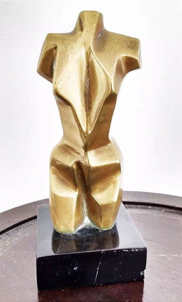 Adriana Banfi - Escultura em Bronze Assinada, Figurativo Feminino Geométrico
