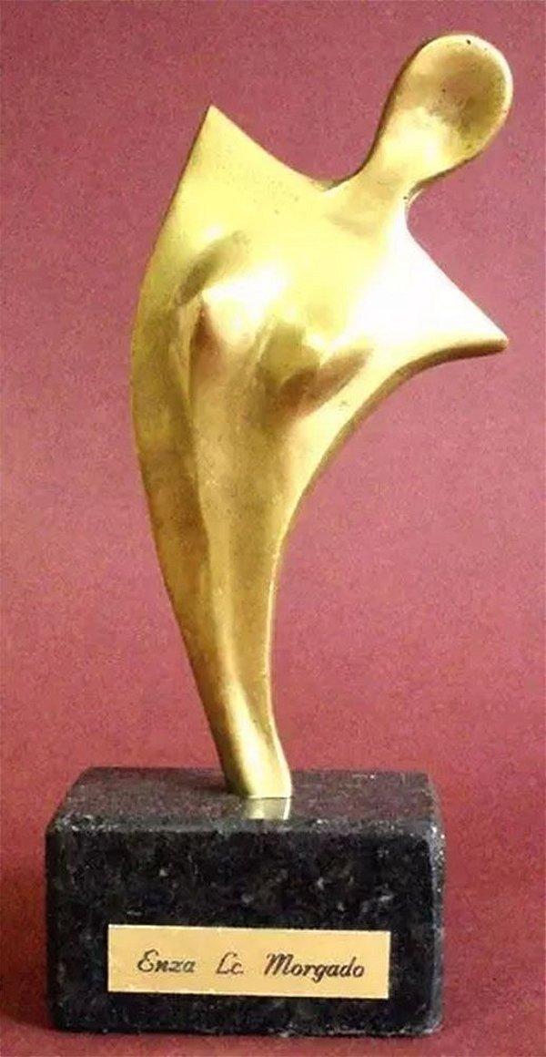 Enza Morgado - Escultura em Bronze Assinada, Figurativo Feminino