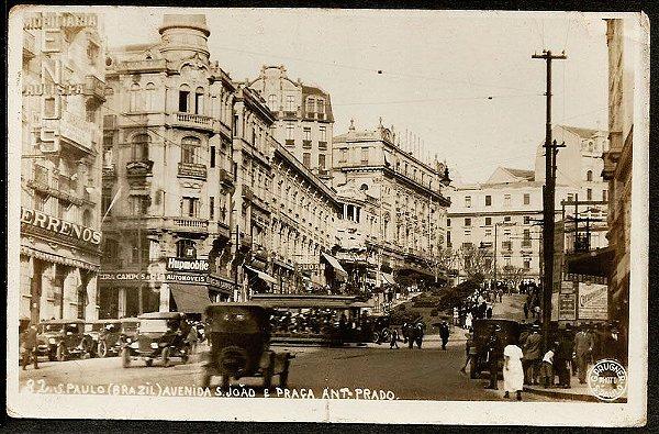 São Paulo, Cartão Postal Antigo Original com Bonde e  Carros na Pça.  Antonio Prado e Av. S. Joao