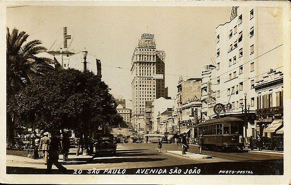 São Paulo, Cartão Postal Antigo com Bonde e Carros na Av. São João