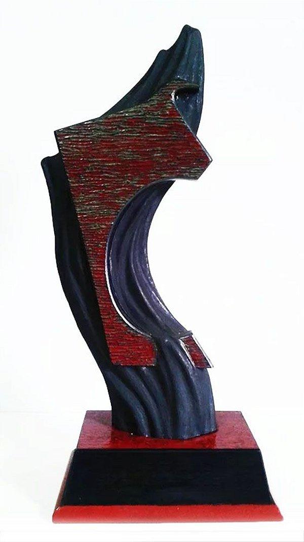 Alexandre T. Nogueira - Escultura em Resina sobre Base de Madeira, Figura de Touro