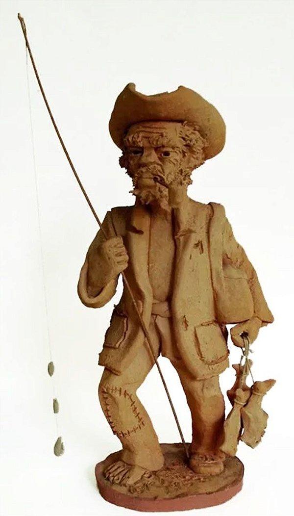 Ivan Brasil - Escultura em Barro, Figura de Pescador, Assinada, de 1982