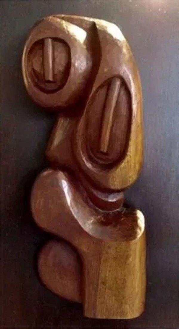 Escultura em Madeira Assinada por Guima, Fixada em Painel, 1970
