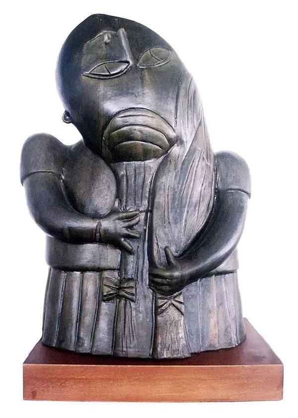 Inos Corradin -  Grande Escultura em Cerâmica,  Menina E Seus Cabelos, Assinada, 58cm de Altura