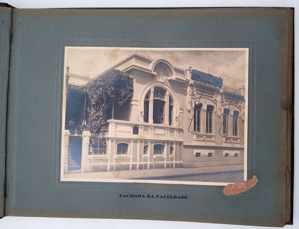 Álbum de Fotografias Formandos da  Faculdade de  Ciências Econômicas de Ribeirão Preto 1934