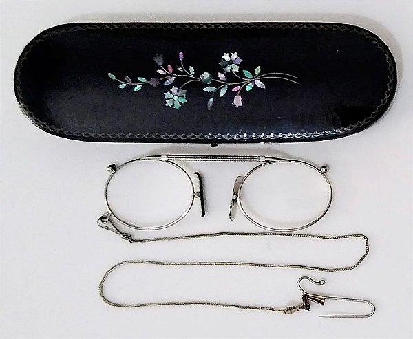 Óculos Antigos Pince Nez Prata com Estojo Original de Papier Mache