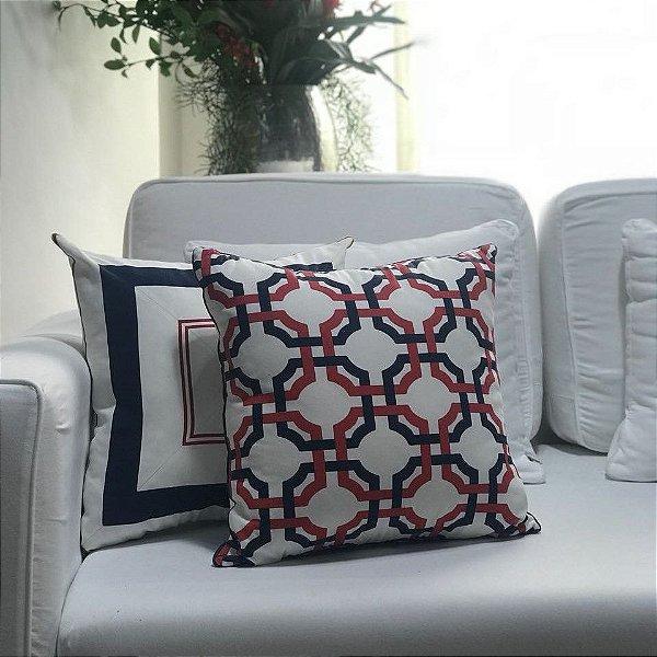 Almofada sarja branco marinho e vermelho geométrica