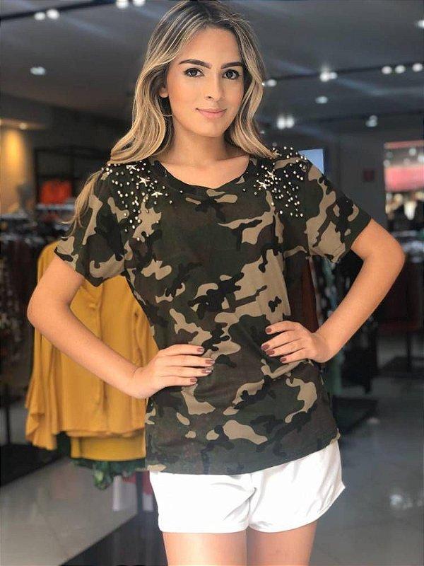 T-Shirt Camuflagem c/ Aplicações