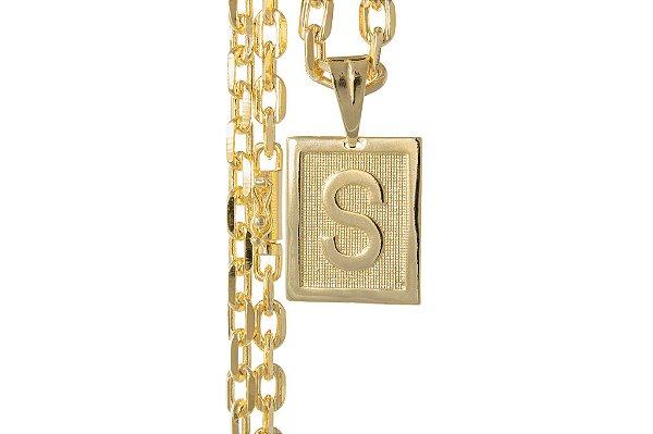 Corrente Cartie Curto - Fecho gaveta com trava dupla (7MM) -60cm - 41g Com Pingente de Letra - Banhado a ouro 18k