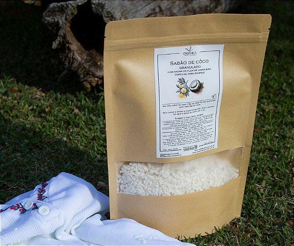 Sabão de coco em grãos artesanal