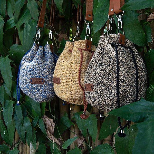 Bolsa Saco Artesanal de Crochê com Fibra de Juta