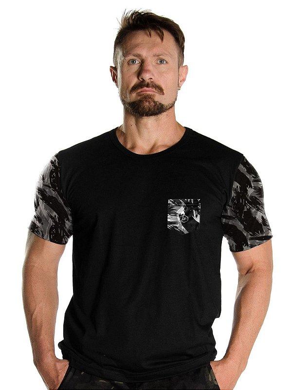 Camiseta Com Bolso Militar