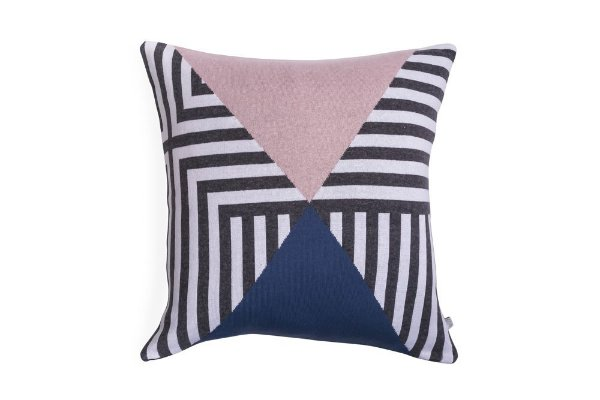 Almofada Labirinto Branco Cinza Rosa e Azul