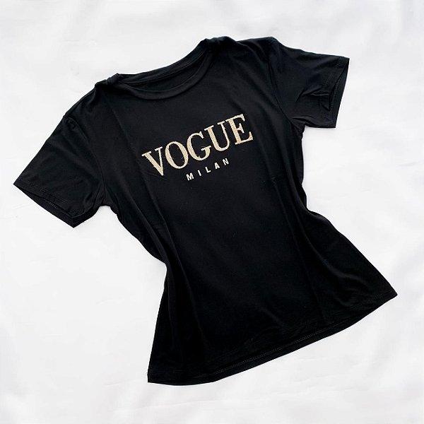 T-Shirt Preta Em Detalhes Inspiração