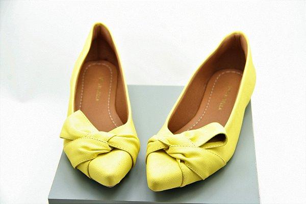 sapatilha amarela laço desconstruído