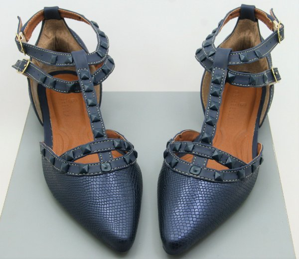 POINTED VALENTINO INSPIRED - BLUE JEANS