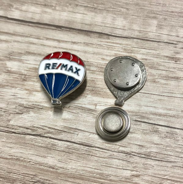 Pin em metal balão remax niquel ( prata ) - IMÃ NEODÍMIO EXTRA FORTE