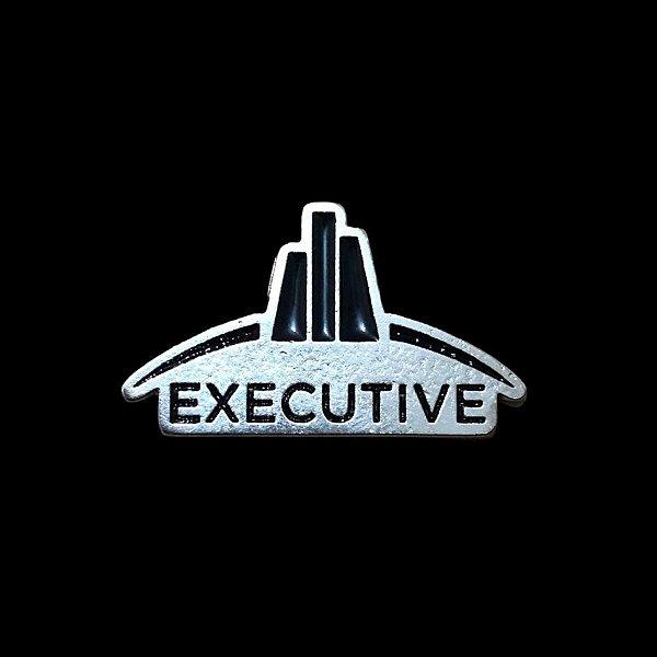 Pin em metal Executive Club Remax