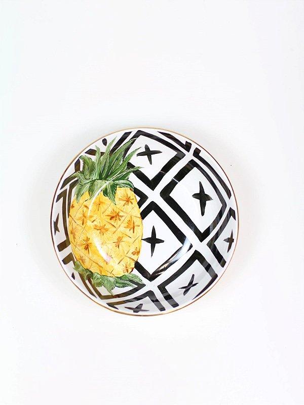 Tigela Pineapples