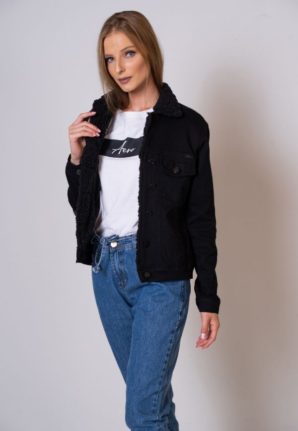 Jaqueta Jeans Aero Jeans preta forrada com pelo
