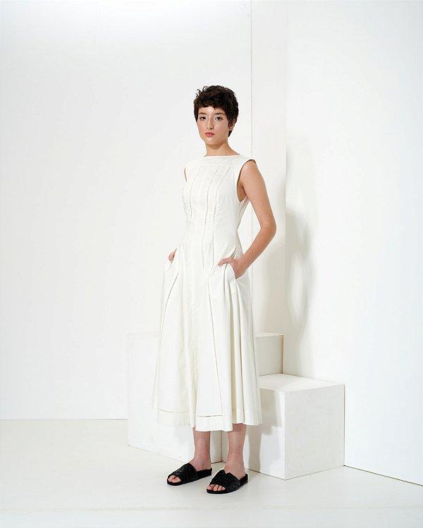 Vestido Ponto-Palito em Sarja