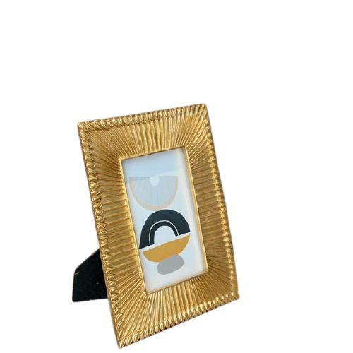 Porta Retrato em Poliresina Dourado