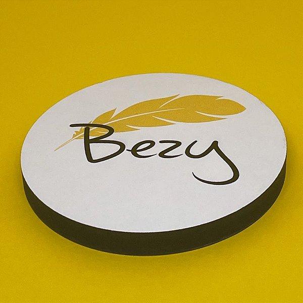 Porta copo em MDF com marca ou rótulo Bezy