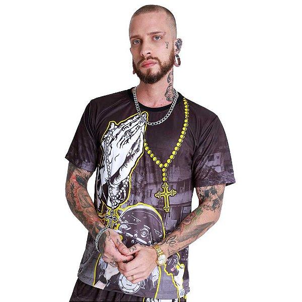 Camiseta Grau Entre Becos e Vielas