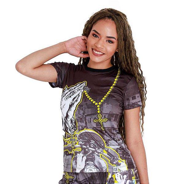 Camiseta Feminina Entre Becos e Vielas