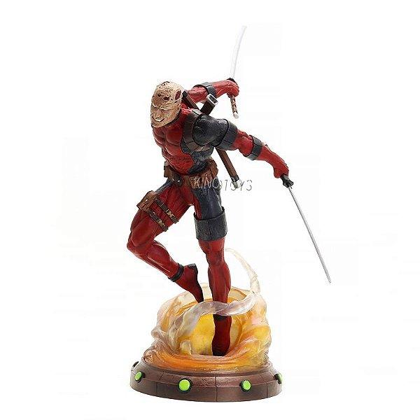 Deadpool Unmasked - Marvel Gallery Statue Diamond Select