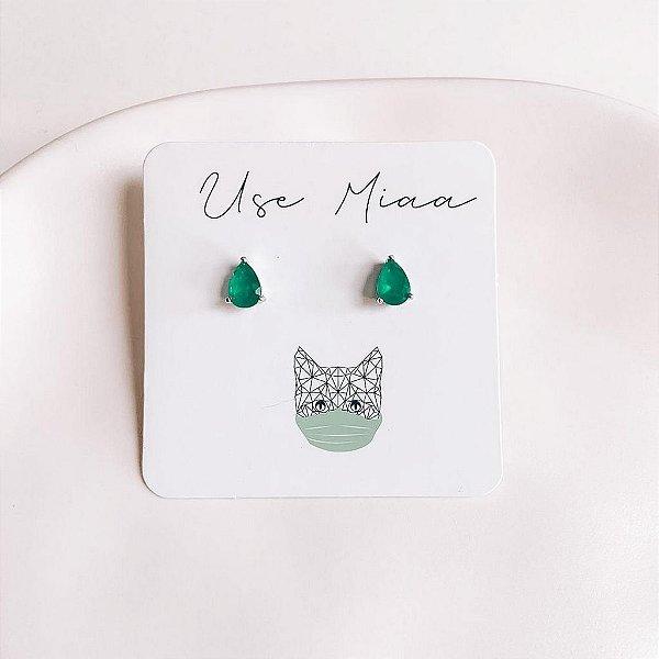 Brinco Mini Gota Verde Banhado em Ródio Branco