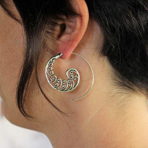 Brinco Indiano Espiral Bali banhado a prata.