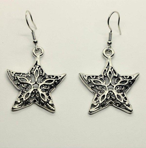 Brinco Estrela banhada a prata com pino em aço  antialérgico