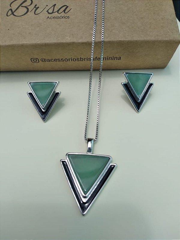 Conjunto com colar e brincos em pedra Ágata Verde folheados a prata.