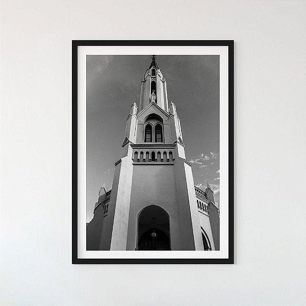 Quase gótica - Letícia Lunga