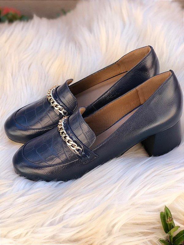 Sapato Azul Marinho com Corrente Dourada