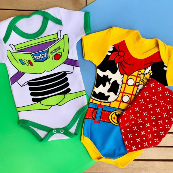 Kit Body Bebê Gêmeos Toy Story Xerife Woody & Buzz